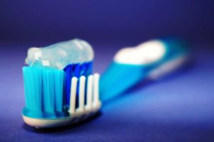 dental hygiene, Which is better-Organic or Regular Toothpaste?, Smile Logic, Inc.